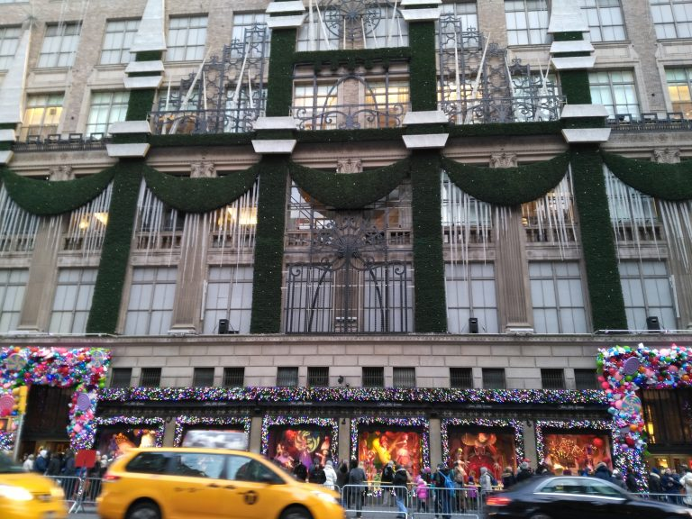 Saks Fifht Avenue, windows, christmas